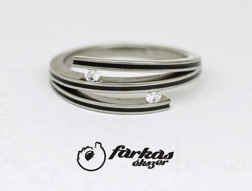 Titán gyűrű kerámiával és gyémántokkal 203.