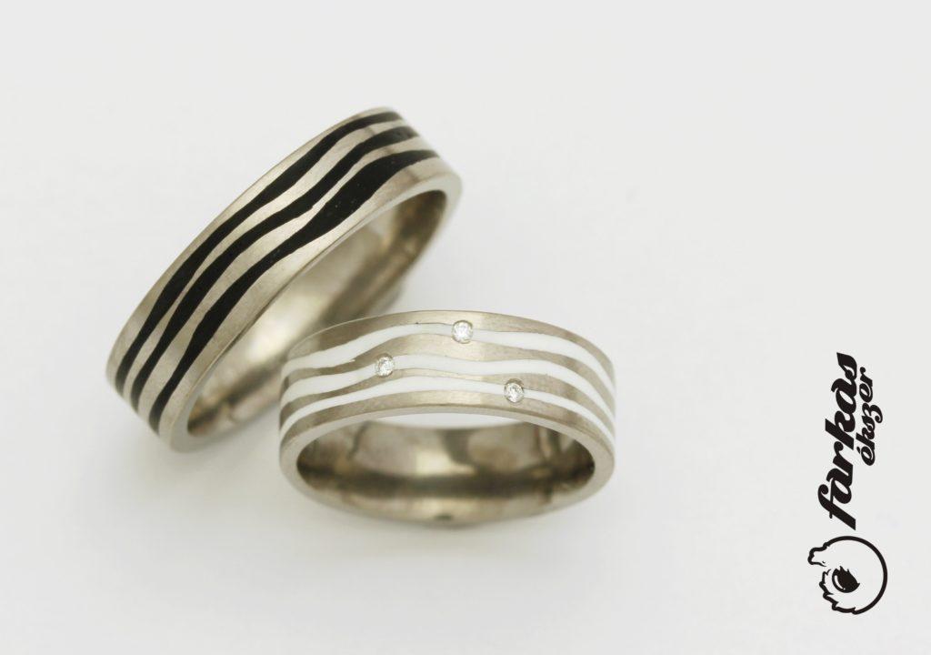 Titán karikagyűrűk kerámiával és gyémántokkal 279.