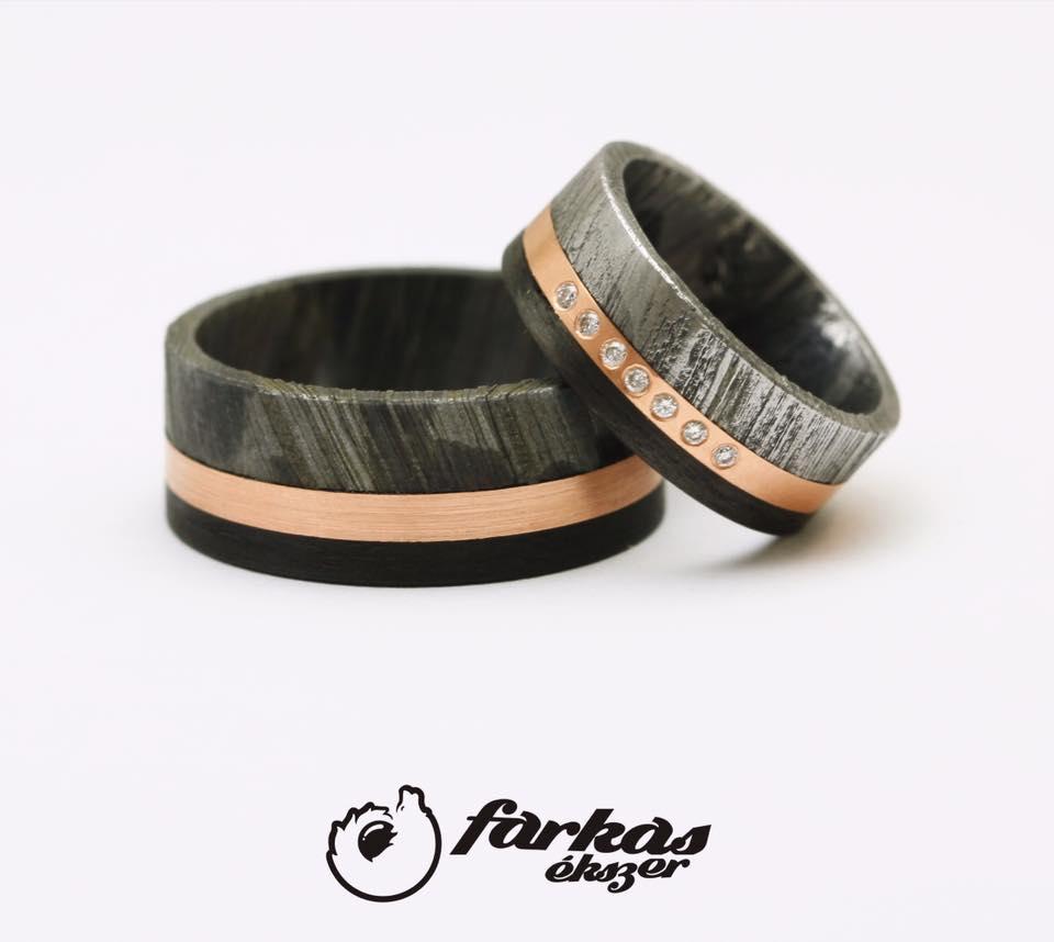 Damaszk acél-fekete karbon-arany karikagyűrűk gyémántokkal 282.