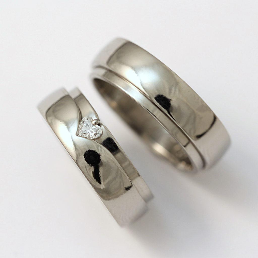 Titán karikagyűrű, szív alakú gyémánttal 143.