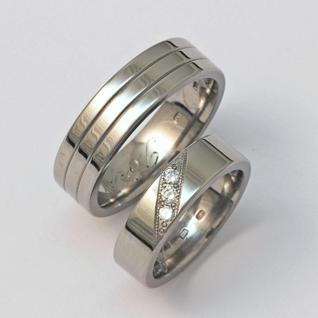 Titán karikagyűrű gyémántokkal 146.