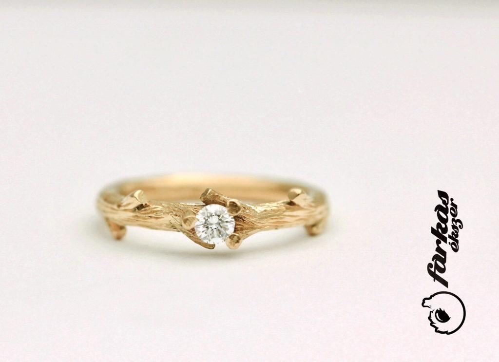 Vörös arany gyűrű gyémánttal 129.