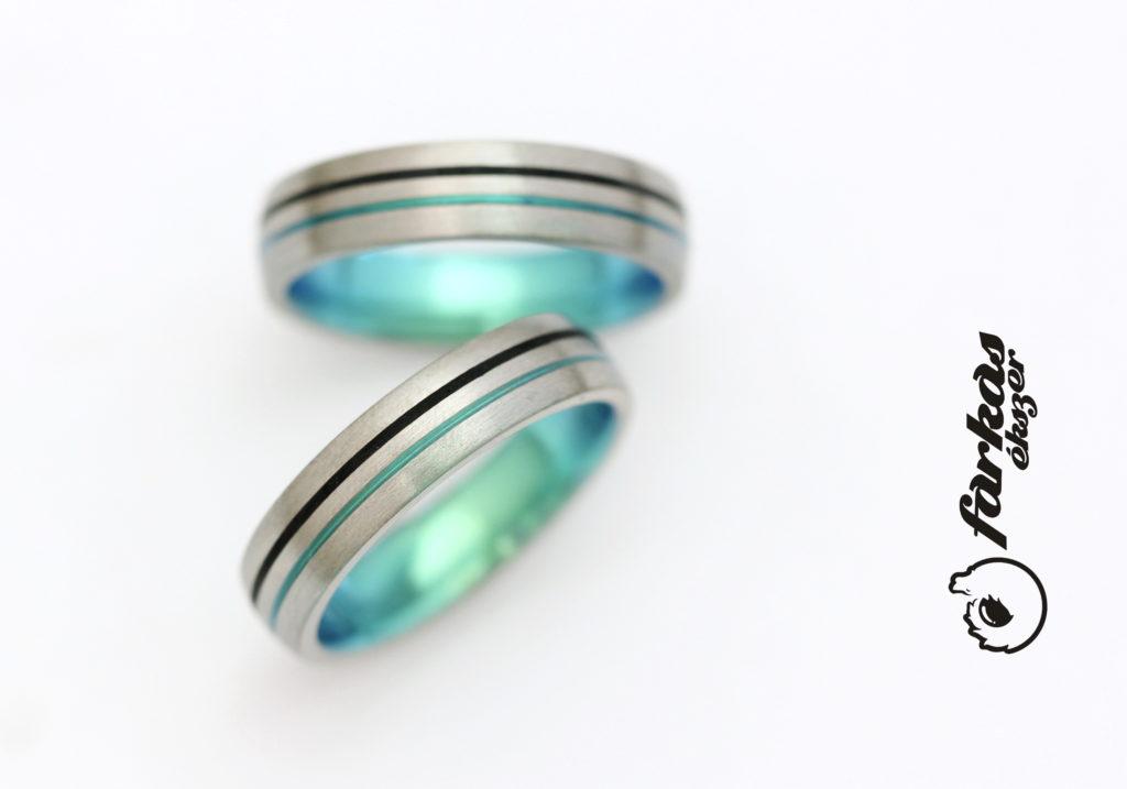Titán karikagyűrűk, fekete kerámia és zöld oxiddal 293.