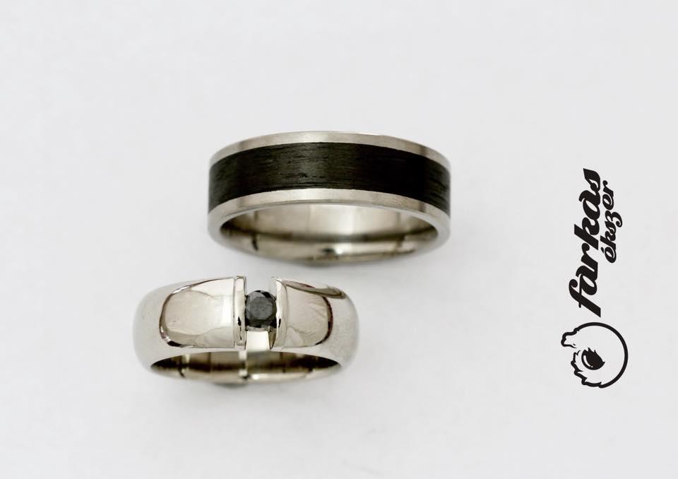 Fekete karbon-titán karikagyűrűk fekete gyémánttal 033.