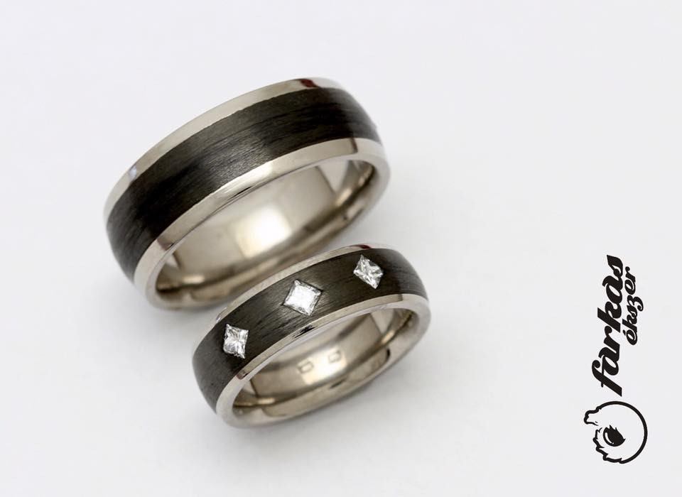 Fekete karbon-titán karikagyűrűk gyémántokkal 011.