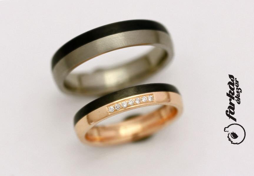 Fekete karbon-vörös arany-titán karikagyűrűk gyémántokkal 031.