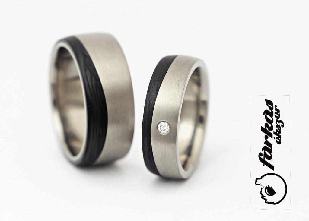 Fekete karbon-titán karikagyűrűk gyémánttal 030.