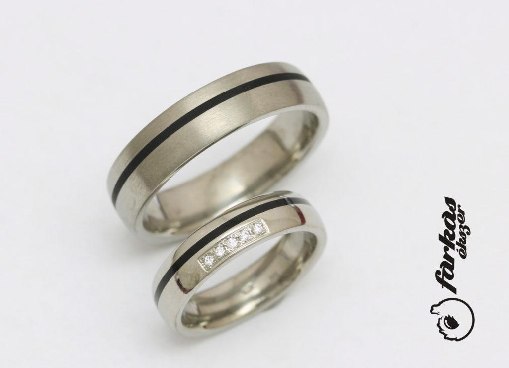 Titán karikagyűrűk fekete kerámiával és gyémántokkal T302.