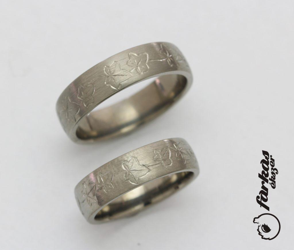 Borostyánleveles titán karikagyűrűk 297.