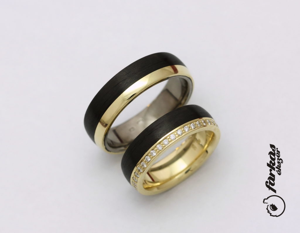Arany-fekete karbon-titán karikagyűrűk gyémántokkal K052.