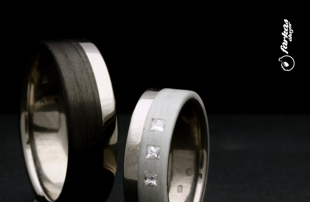 Titán karikagyűrűk fehér és fekete karbonnal K057.