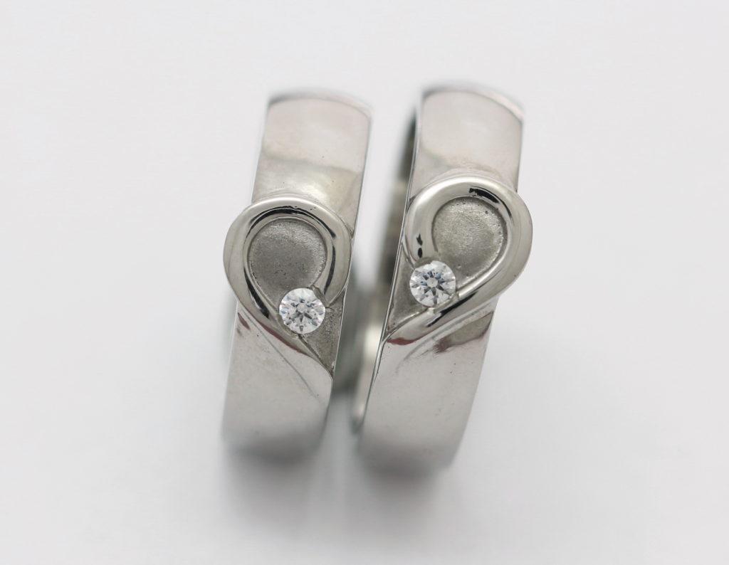 Titán karikagyűrűk gyémántokkal T168.