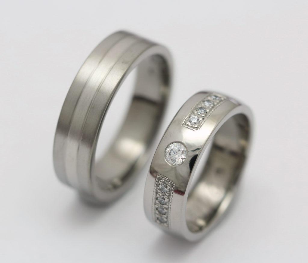 Titán-palládium karikagyűrű, gyémántokkal T171.