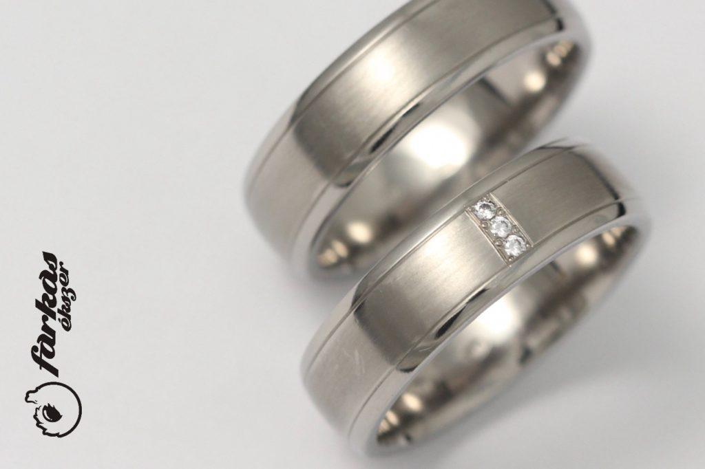 Titán karikagyűrűk gyémántokkal T317.