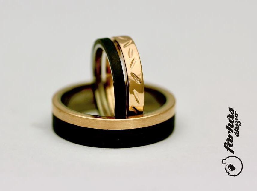 Fekete karbon-vörös arany karikagyűrűk K065.
