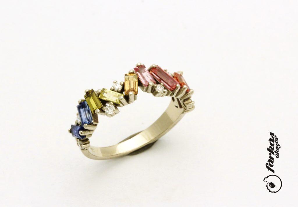 Fehér arany gyűrű színes zafírokkal és gyémántokkal A157.